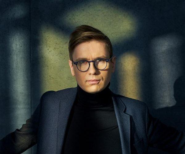 """Víkingur Ólafsson veröffentlicht mit """"Reflections Part 3 – RWKS"""" die dritte von vier EPs die bis März 2021 erscheinen"""